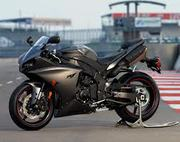 NEW YAMAHA YZF R1 2013